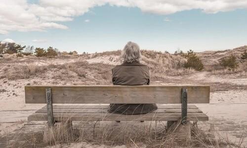 할머니, 이제는 더이상 외로워하지마세요
