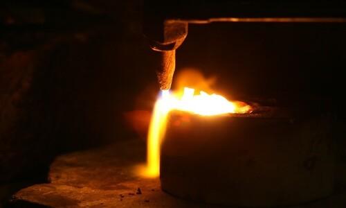 금은 불에 들어가는걸 두려워하지않는다