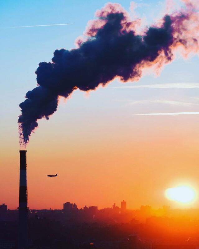 기후위기 앞에서 탄소배출을 제로로 만들려는 노력은 더 미룰 수 없는 과제다. 1990년 핀란드에서 처음 도입된 탄소세는 스웨덴, 노르웨이, 독일 등으로 확산됐다. 언스플래쉬