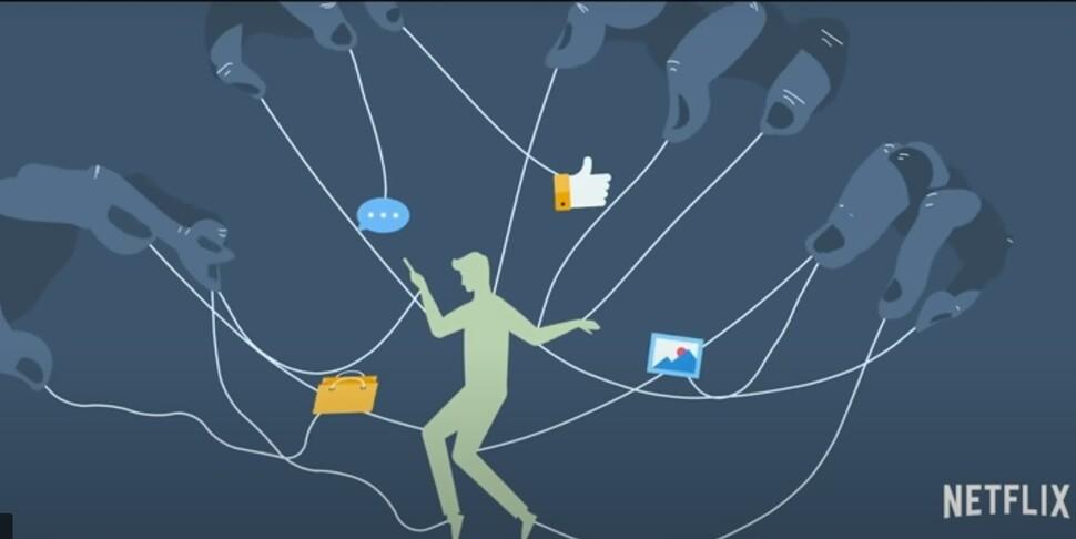 2020년 넷플릭스에서 개봉한 다큐멘터리 드라마 <소셜 딜레마>는 소셜미디어 등 웹서비스 설계자들이 다양한 심리적·기술적 장치를 통해 이용자들의 주의력을 빼앗고 반응을 조종하는 실태를 다뤘다. 넷플릭스 제공.