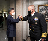 核兵器を運用する米戦略司令官、韓日両国を「異例の訪問」