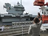 英海軍の空母「クイーン・エリザベス」、釜山寄らず横須賀に入港