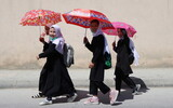 タリバン「女子大生は目の他は全て覆い隠せ」…女性の人権弾圧が現実に