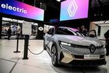 ドイツ・ダイムラー会長「車両用半導体不足、2023年まで続く可能性」