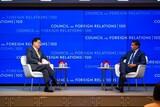 韓国外相「北朝鮮に対する誘引策として制裁緩和を検討すべき時」